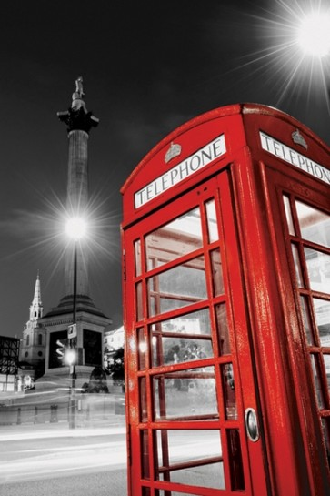 London - Red Telephone Box (Trafalgar Square)