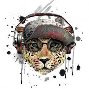 Tiger listen music