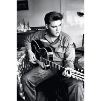 Elvis - War Guitar